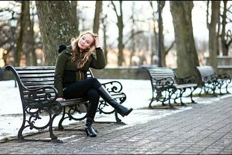 Karoliina Leppänen opiskelee Tallinnan yliopistossa toista vuotta. Erityisesti hän kehuu kansainvälistä opiskelijayhteisöä.
