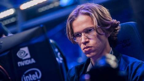 """Topias """"Topson"""" Taavitsainen on pelannut viimeksi kilpaturnauksessa elokuun lopulla. Tuloksena oli tuolloin voitto, jolla tuli toinen peräkkäinen MM-kulta."""
