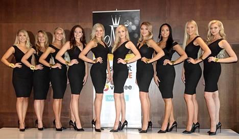 Miss Suomi -finalistit vasemmalta oikealle: Milla-Mari Waismaa, Jenna Ruohola, Alina Voronkova, Janina Koskinen, Eevi Ihalainen, Emilia Anttikoski, Erika Helin, Mirella Merivirta, Jenny Lappalainen ja Ellinoora Myötyri.