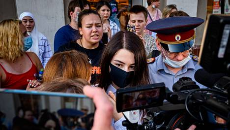 Maria Hatshaturjan poistui tiistaina esikuulemisesta Moskovan käräjäoikeudessa.