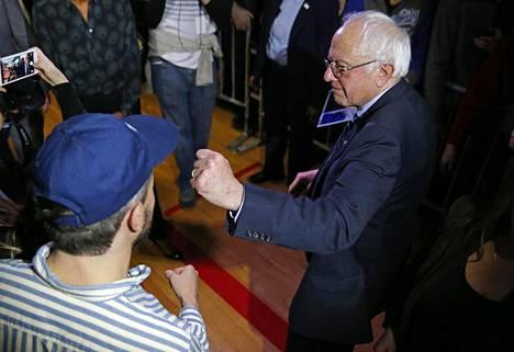 Demokraattien Bernie Sanders on Iowassa tehdyissä mielipidemittauksissa ollut lähellä ennakkosuosikki Hillary Clintonia.