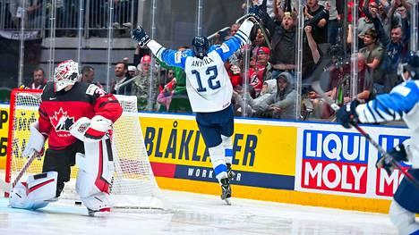 Suomi juhli viime keväänä maailmanmestaruutta Bratislavassa. Tänä keväänä Suomi ei pääse puolustamaan titteliään.