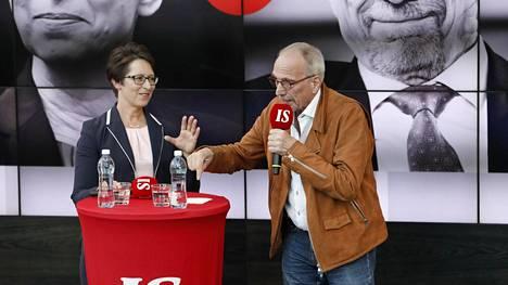 Sari Essayah (kd) oli meppinä 2009–2014, Nils Torvalds (r) on istunut Euroopan parlamentissa vuodesta 2012.