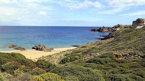 Menorca on täynnä hiljaisia ja rauhallisia rantoja ja huikean kaunista luontoa.