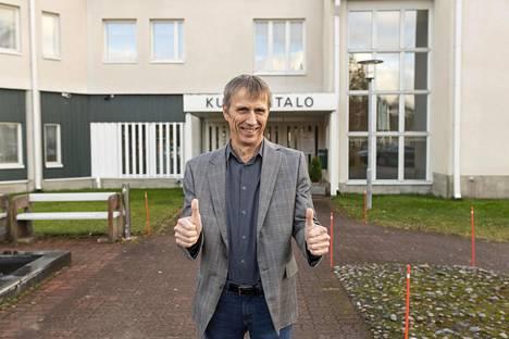 Sievin kunnanjohtaja Mauno Ranto iloitsee kunnan menestyvistä yrittäjistä.