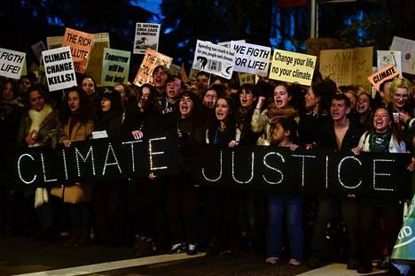 Madridissa järjestettiin perjantaina ilmastomarssi YK:n ilmastokokouksen aikaan.