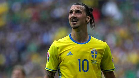 Zlatan Ibrahimovic on suuri sankari Ruotsissa, mutta pelkkää kunnioitusta supertähden käytös uran aikana ei ole herättänyt.