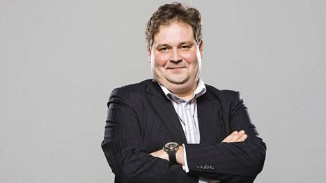 –Me yrittäjät emme ole halukkaita mistään palkoista pudottamaan, jos homma hoituu. Meidän pitää saada työn sivukulut aisoihin, Jethro Rostedt sanoo.