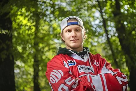 Jokereissa SM-liigadebyyttinsä tehnyt Kiviranta edusti Vaasan Sportia vuosina 2014-2019.