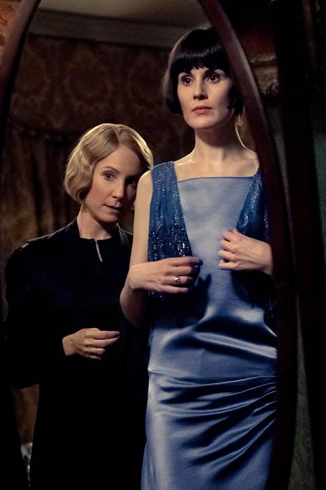 Lady Marya näyttelee Michelle Dockery, kamarineiti Annaa Joanne Froggatt.