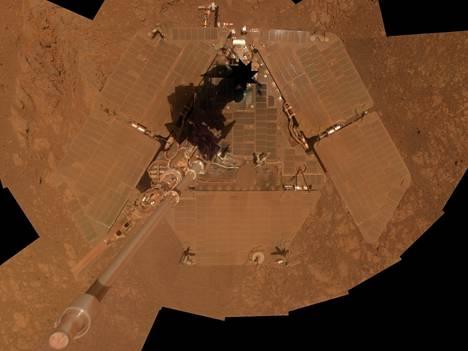 Vielä tammikuussa Opportunity miltei maastoutui Marsin punaiseen pölyyn.