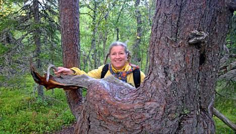 Näyttelijä ja laulaja Eija Ahvo käveli viikonlopun aikana yli 20 kilometriä.