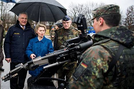 Puolustusministeri Ursula von der Leyen on kertonut televisiopuheessa iskun kauhuskenaariosta.