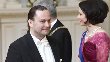 Harri Moisio oli lukenut, että kättelytilanteessa tulisi esitellä itsensä presidenttiparille.