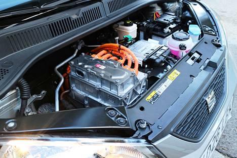 Moottori kehittää 61 kilowattia.