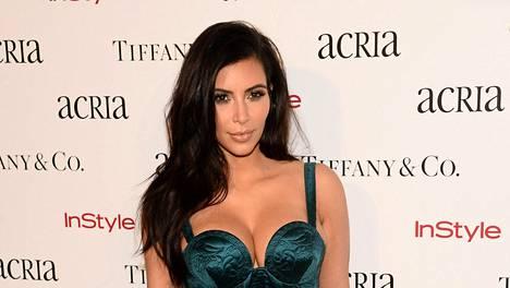 Kim Kardashian kehuu nyt Pippa Middleton takamusta.