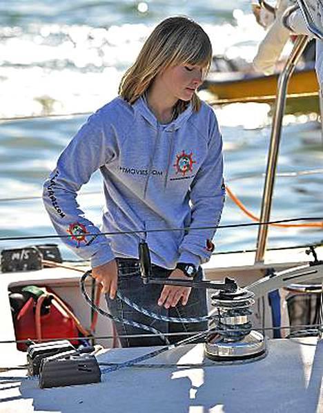 Abby Sunderland veneensä kannella tammikuussa.