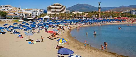 Chiringuiton ranta Puerto Banusissa, Espanjassa.