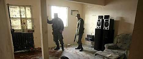 Eristysnauha lepäsi maassa paikalla, jossa asemiehet iskivät Ciudad Juarezin kaupungissa.