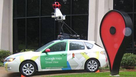 Googlen kartta-auto kuvattuna yhtiön pääkonttorilla Kaliforniassa.