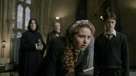 Jessie Cave esitti Lavender Brownia elokuvissa Harry Potter ja puoliverinen prinssi, sekä Harry Potter ja kuoleman varjelukset osa 2.