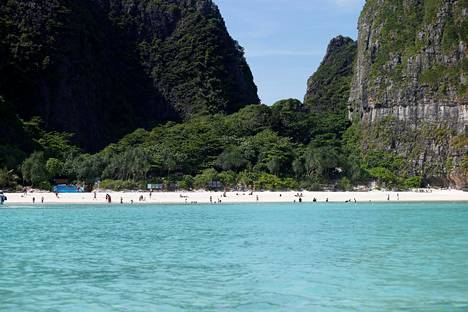 Rannalla vieraili jopa 6000 turistia päivässä.