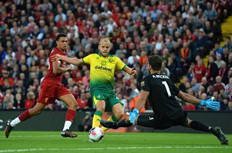 Norwichin suomalaiset fanit saivat heti iloittavaa, sillä Teemu Pukki iski maalin ensimmäisessä valioliigaottelussaan.