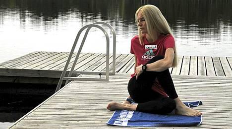 Leena Puotiniemi harjoittelee omatoimisesti.