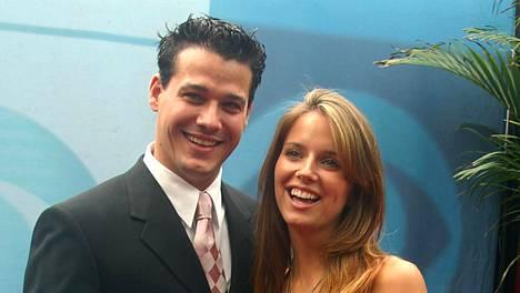 Selviytyjissä vuonna 2004 nähdyt Rob ja Amber rakastuivat ja menivät myöhemmin naimisiin. Pari on edelleen yhdessä.