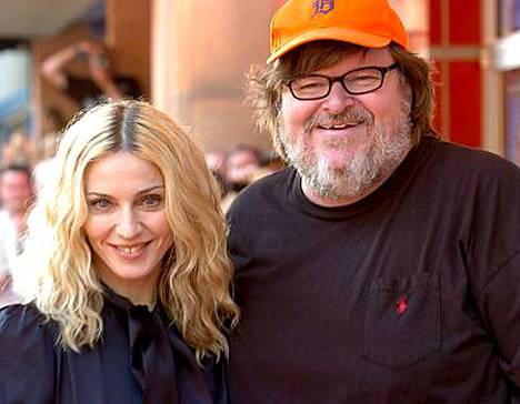 Madonna toi afrikkalaisorvoista kertovan dokumenttinsa ohjaaja Michael Mooren perustamille Traverse City Film Festivaleille.