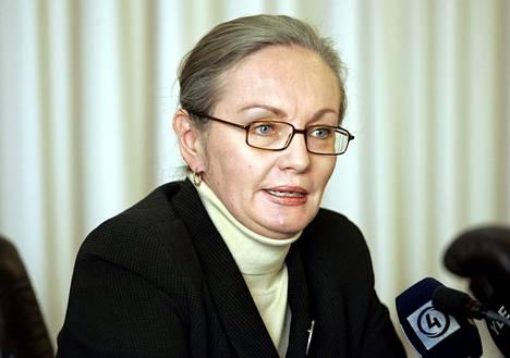 Korkeimman oikeuden presidentin Pauliine Koskelon mielestä tuomioistuimien voimavaroja ei voi jakaa.