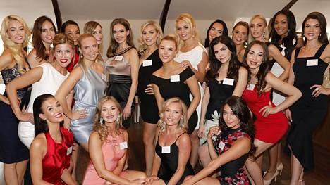 Nämä 21 kaunotarta nähtiin alun perin Miss Suomi -semifinaalissa.