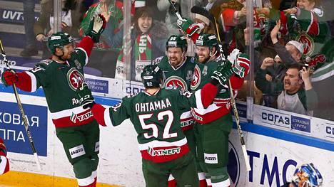 Kazan juhlii Gagarin cupin voittoa.