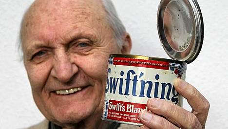 Hans Feldmeier ja 64-vuotias sianrasva.