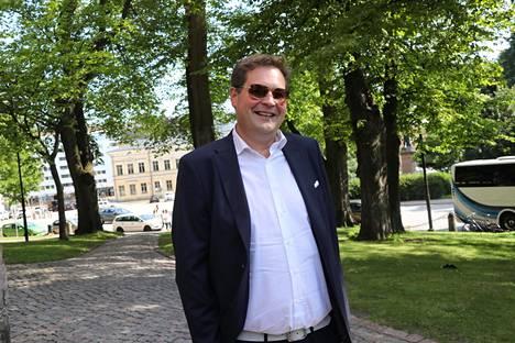 Rostedt on monena vuonna ollut julkisuudesta tuttujen kiinteistövälittäjien tulokuningas.