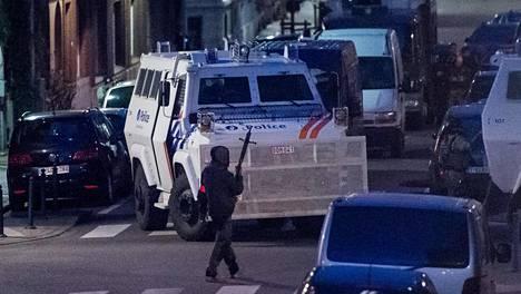 Belgian poliisilla oli tiistai-iltana operaatio Brysselin Schaarbeekin kaupunginosassa.
