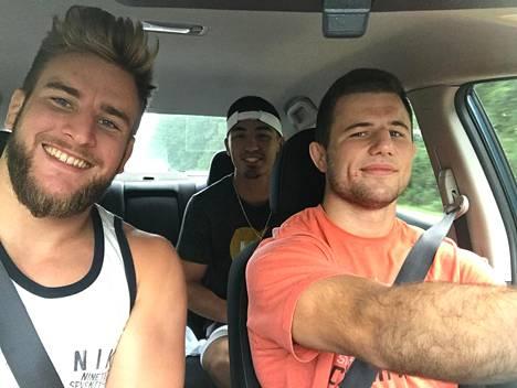 Jere Heino, Andrew Morgan ja Alex Rivera lähtivät ajamaan Pohjois-Carolinasta kuuden maissa keskiviikkoaamuna.