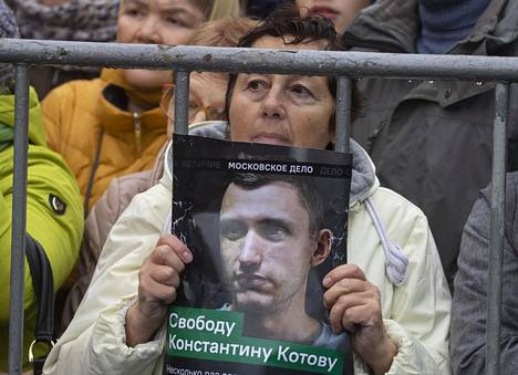 Moskovalaiset ovat protestoineet Konstantin Kotovin tuomiota vastaan.