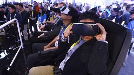 Vuosi sitten virtuaalilasit keräsivät paljon kiinnostunutta yleisöä Las Vegasin CES-kulutuselektroniikkamessuilla. Tämän vuoden hiteiksi arvellaan muun muassa robotteja ja erilaisia tekoälyratkaisuja.
