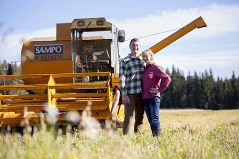 Markku ja Anita Nikin Sysmän Luomuherkut on viljatila, joka tuottaa sekä Pirkka Luomu mysliä että monenlaista kauppojen hyllyitä tuttua luomuviljatuotetta.