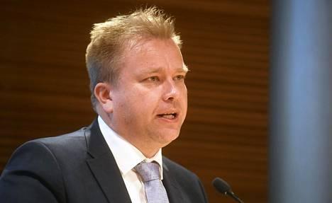 Antti Kaikkonen on toiminut keskustan eduskuntaryhmän puheenjohtajana. Hän ei ole vielä ilmoittanut, aikooko hän tavoitella puolueen puheenjohtajuutta syksyn puoluekokouksessa.