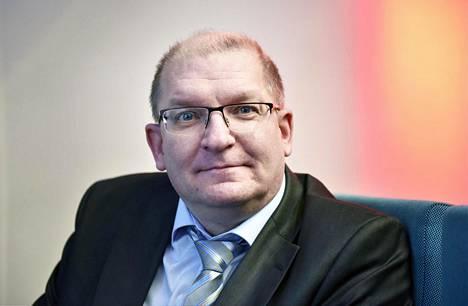 Teollisuusliiton puheenjohtaja Riku Aalto vahvistaa, että liitosta on erottu tavallista vilkkaammin.