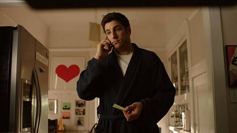 Töitä etsivä Guy (Jason Biggs) huomaa pian toimivansa kuskina ja sihteerinä ilotytöille.