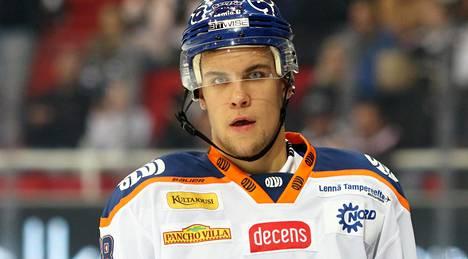 Joona Luoto on pelannut lähes 100 SM-liigan runkosarjaottelua Tapparassa.