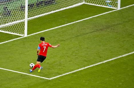 Son Heung-min kuittasi Manuel Neuerin seikkailun ottelun viime hetkillä.