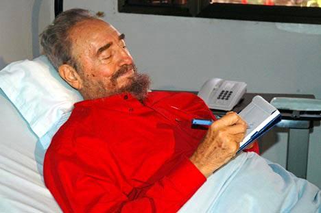 80-vuotias Castro kärsi komplikaatioista suolistoleikkauksen jälkeen.