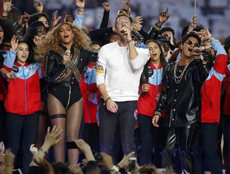 Beyonce, Chris Martin ja Bruno Mars nousivat lavalle San Franciscossa.