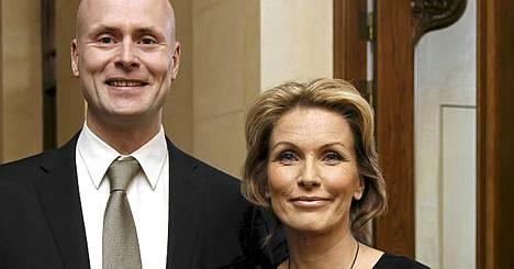 Tanja Karpela ja Janne Erjola odottavat tavallista arkea.