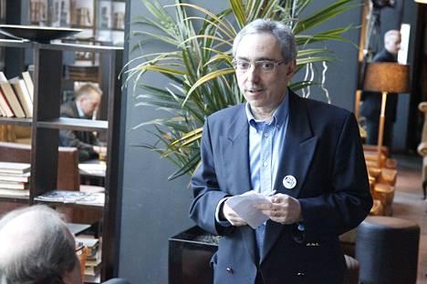 Ben Zyskowicz kokoomuksen vaalivalvojaisissa.