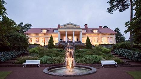 Paraisilla sijaitseva Villa Furuvik on kulttuurihistoriallisesti arvokas kohde.